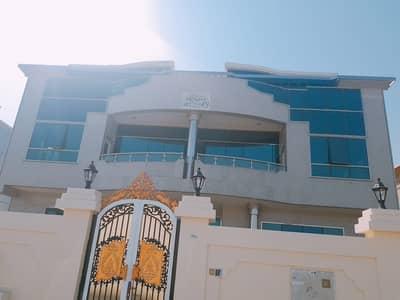 فیلا 8 غرفة نوم للايجار في الرملة، الشارقة - فیلا في الرملة 8 غرف 150000 درهم - 4333010