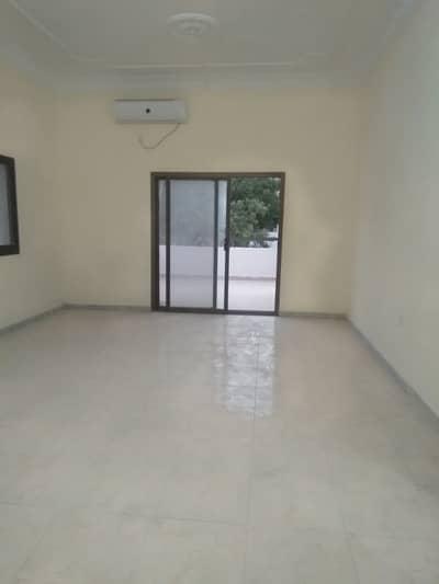 شقة 1 غرفة نوم للايجار في الخالدية، أبوظبي - شقة في الخالدية 1 غرف 42000 درهم - 4333082