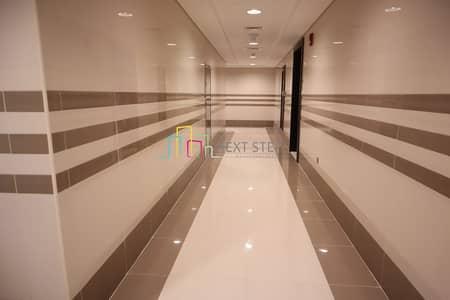 شقة 2 غرفة نوم للايجار في الخالدية، أبوظبي - Brand New: 2 Master Bedroom Apartment with MR and Sea View