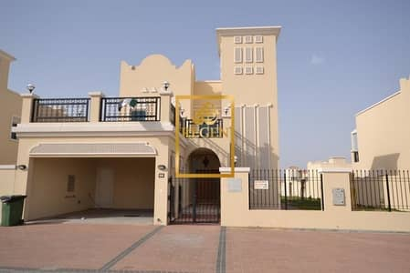 فیلا 2 غرفة نوم للايجار في قرية جميرا الدائرية، دبي - Two Bedroom Hall Nakheel Villa with Landscaped Garden FOR RENT in JVC