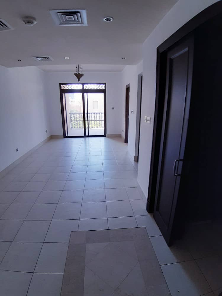 Burj View Unfurnished 1 Bedroom in Yansoon 6 Old Town!. !