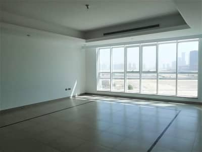 فلیٹ 3 غرف نوم للايجار في منطقة النادي السياحي، أبوظبي - Amazing Location - Spacious 3 BR Apartment
