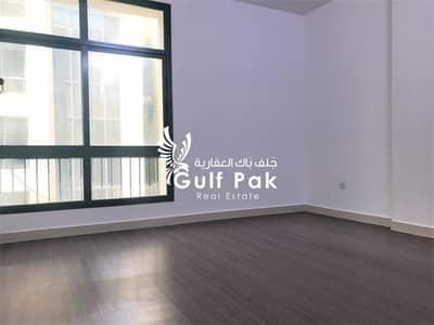 فلیٹ 1 غرفة نوم للايجار في الخالدية، أبوظبي - شقة في الخالدية 1 غرف 44000 درهم - 4335863