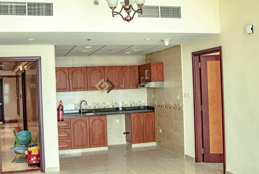 2 One Spacious Bedroom In Corniche Residances