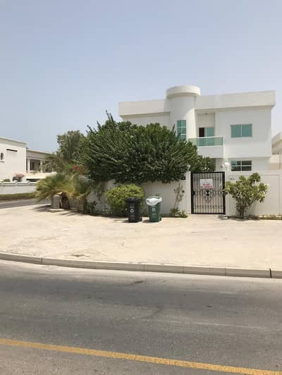 4 Bedroom Villa for Rent in Umm Suqeim, Dubai - 4 Bedroom + Maids Room with Private Pool Available for Rent