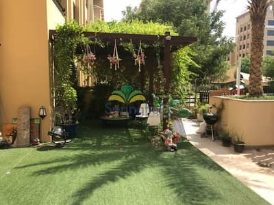 3 Bedroom Flat for Rent in The Greens, Dubai - Private Courtyard | Vacant | 3 BR + Laundry Room