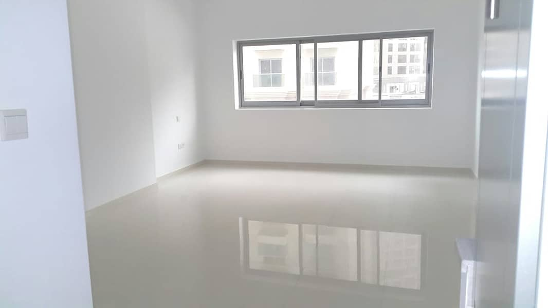 2 Large Studio for rent with Hotel Quality