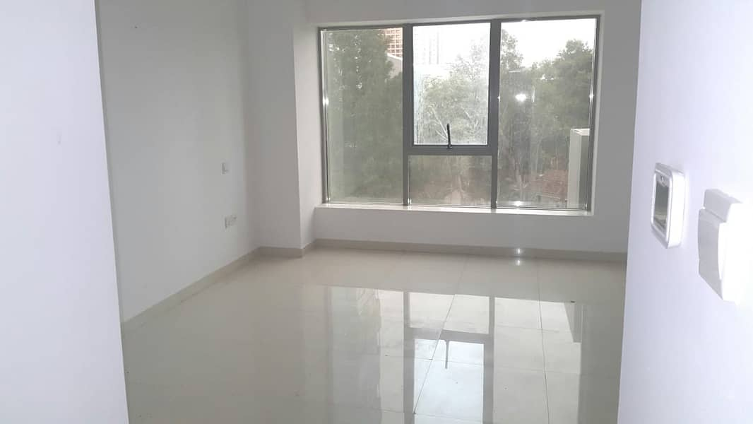 10 Large Studio for rent with Hotel Quality