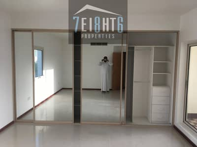 5 Bedroom Villa for Rent in Jumeirah, Dubai - Outstanding property: 5 b/r compound villa + maids room + sharing s/pool + GYM + landscaped garden