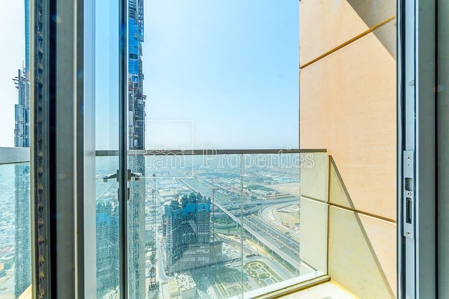 17 Highest floor 2 BR Sea and Burj Al Arab view