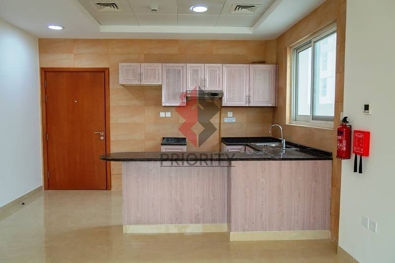 2 1 Bedroom Apartment|Ideal for Hotel Staff
