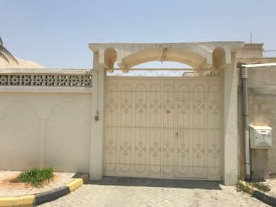 6 Bedroom Villa for Sale in Al Azra, Sharjah - 1