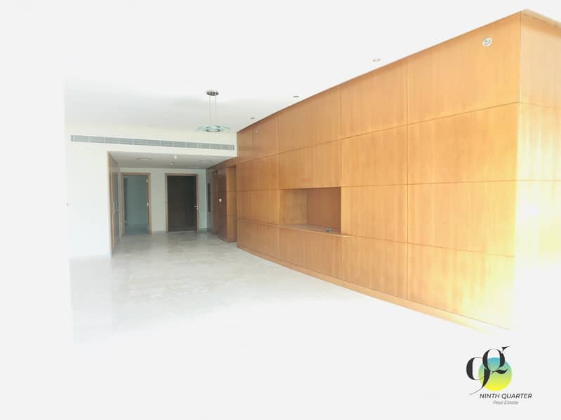 2 Spacious and Well maintained  3 BHK with maid room