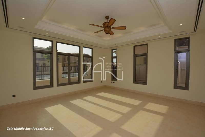 2 Corner 5 BR Villa Executive Close to Facilities
