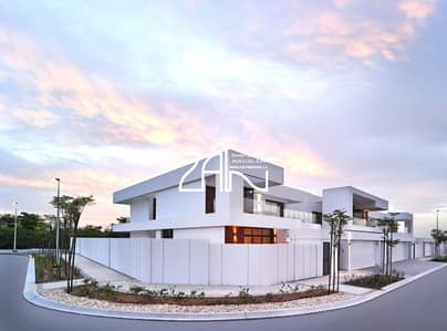 4 Bedroom Villa for Sale in Yas Island, Abu Dhabi - Corner 4 BR Villa T1 Brand New No Service Charge