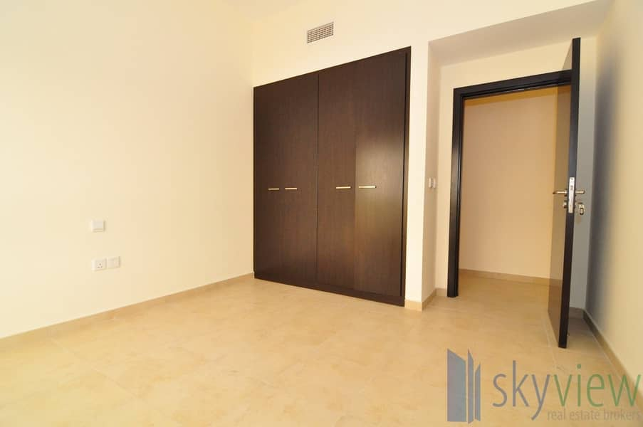 2 Deal 1BR with Closed kitchen + Balcony