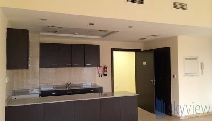 8 Deal 1BR with Closed kitchen + Balcony