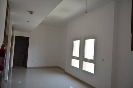 Studio for Rent in Remraam, Dubai - Studio Apartment with Multiple Cheques