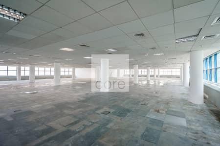 مکتب  للايجار في شارع الشيخ زايد، دبي - Fitted Office | Prime Location | Mid Floor