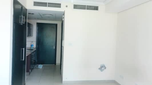 Studio for Rent in Jumeirah Lake Towers (JLT), Dubai - Studio With Balcony For Rent Gold Crest view 2 JLT
