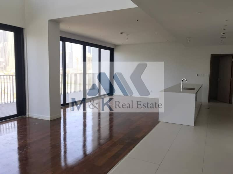 Amazing 4 Bed Duplex with Maid room