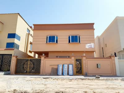 5 Bedroom Villa for Sale in Al Helio, Ajman - Have your own fleet you and your family the finest areas of Ajman and close to services