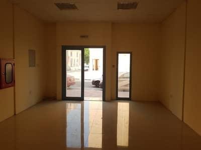 محل تجاري  للايجار في المدينة العالمية، دبي - محل تجاري في طراز فارسي المدينة العالمية 22000 درهم - 4278735