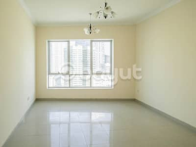 2 Bedroom Flat for Rent in Al Khan, Sharjah - Spacious 2-BR Apartment Available for Rent in Riviera Tower