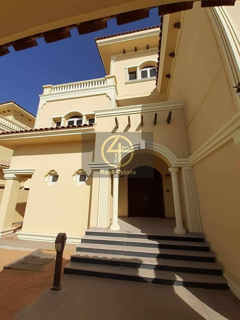 2 Luxury & Modern 4BR  villa In Bawabt Al Sharq