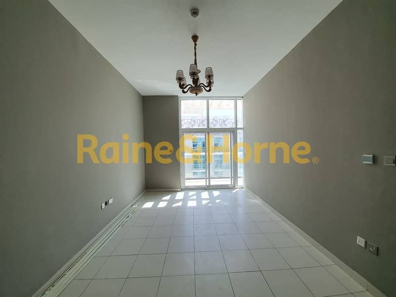 2 Bed+Maids   Spacious   Fitted Kitchen   Glitz 3