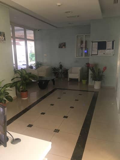 فلیٹ 1 غرفة نوم للايجار في المدينة العالمية، دبي - شقة في بناية D-04 منطقة مركز الأعمال المدينة العالمية 1 غرف 36000 درهم - 4343259