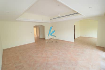 فیلا 4 غرفة نوم للبيع في موتور سيتي، دبي - Spacious 4 Bedroom Villa in Green Community.