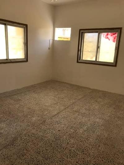 3 Bedroom Villa for Rent in Al Nuaimiya, Ajman - VILLA FOR STAFF - 3 BEDROOM HALL 2 KITCHEN - ONLY 37K