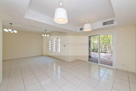 3 Bedroom Villa for Sale in The Springs, Dubai - Springs 3 - Vacant - Type 1M - Lake View