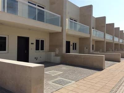 فیلا 3 غرفة نوم للايجار في المدينة العالمية، دبي - فیلا في قرية ورسان المدينة العالمية 3 غرف 80000 درهم - 4344482