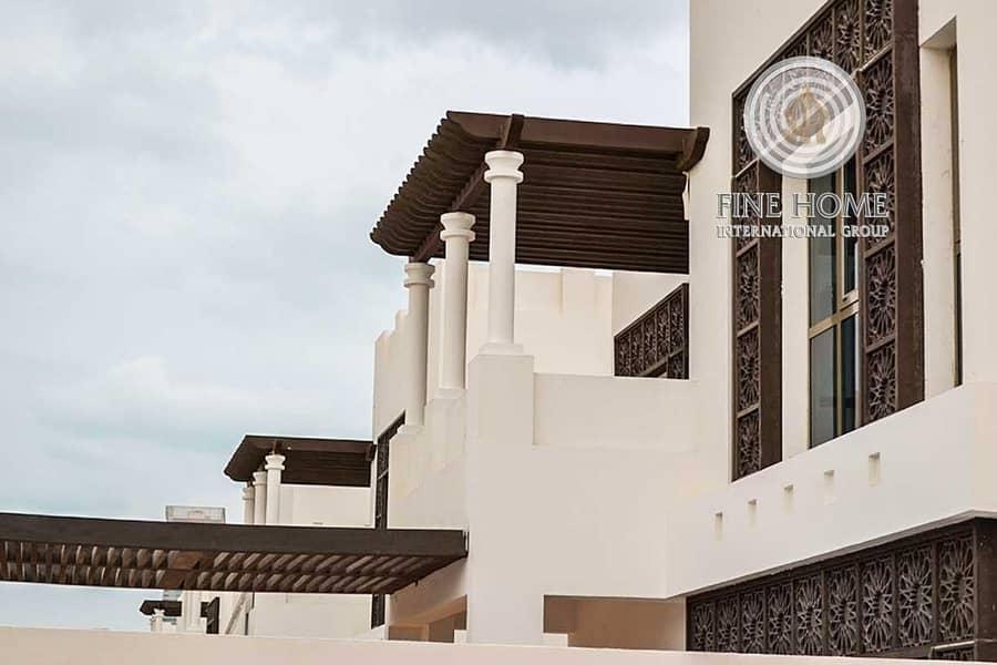 2 Corner 4 BR. Villa in Al Bateen Park . Abu Dhbai