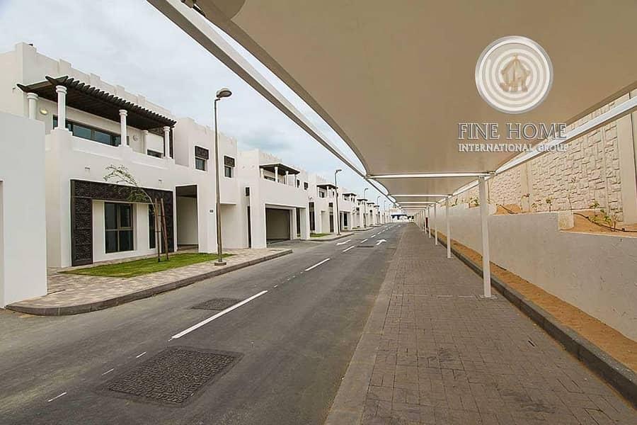 12 Corner 4 BR. Villa in Al Bateen Park . Abu Dhbai
