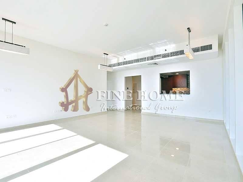 Remarkably Spacious ! 4BR Apartment