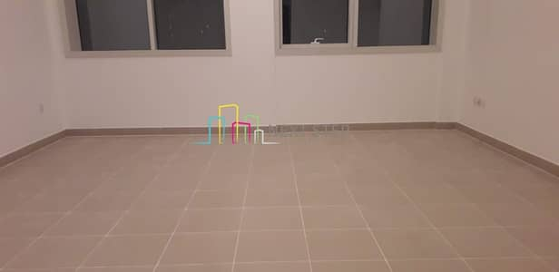 1 Bedroom Flat for Rent in Tourist Club Area (TCA), Abu Dhabi - Spacious & Clean: 1 Bedroom Hall Near KM Hypermarket