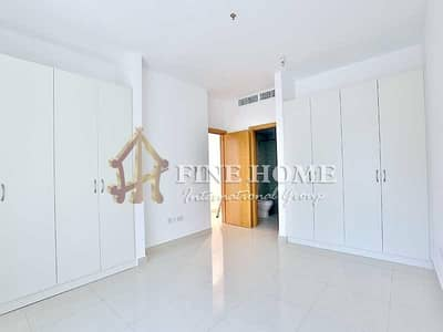 SPARKLING GREAT 3BR +M APARTMENT AIRPORT RD !