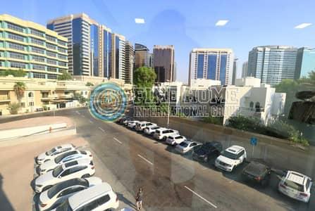 مکتب  للايجار في منطقة الكورنيش، أبوظبي - Amazing 140 sq.ft Office in Corniche   .