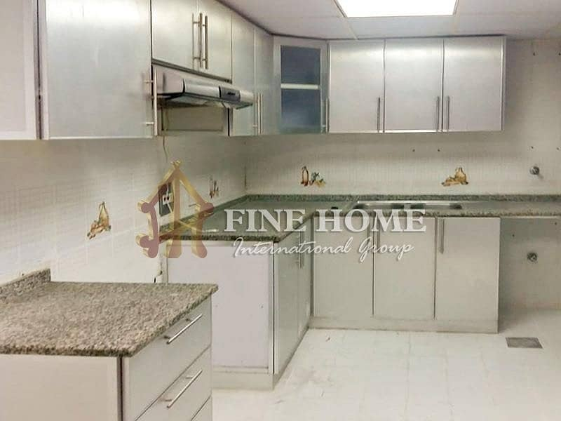 2 Amazing 4BR apartment in Al Najda street