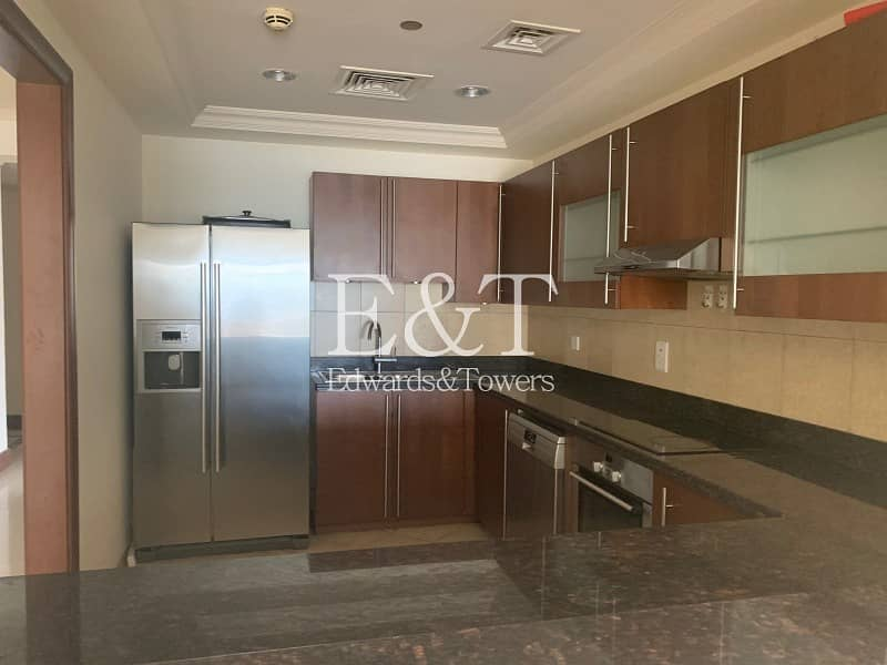 2 2 BR |Partly Sea View | Vacant | Bright unit | PJ