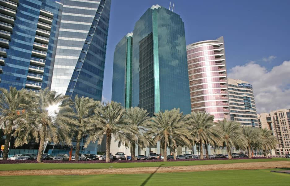 10 Special Price -Chiller Free Fitted office on Maktoum Road