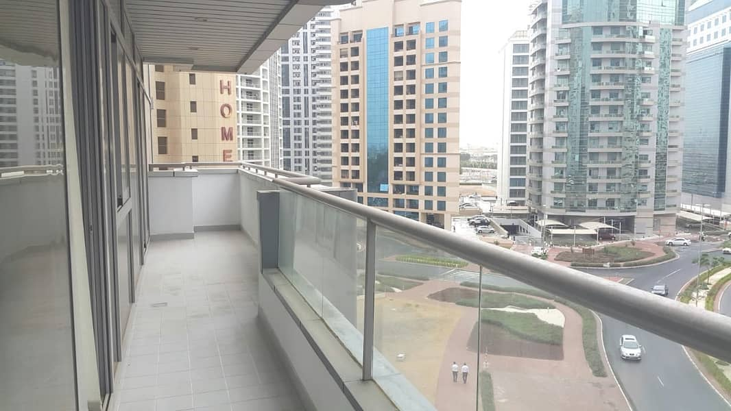 Large Studio for rent with Hotel Quality