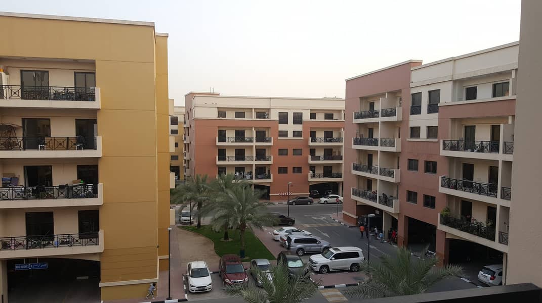2 2BR with Balcony 1 month free 24 hours free maintenance