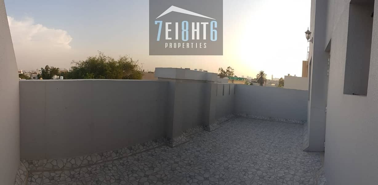 Suitable for investors + staff accommodation: 5 b/r spacious villa with several living rooms for rent in Hor Al Anz