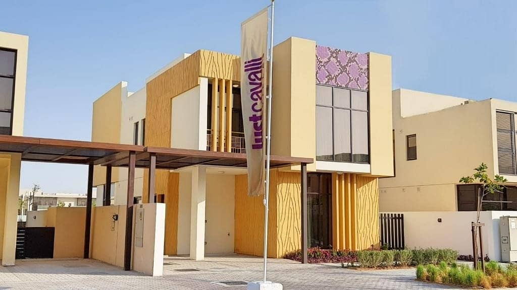 2 Own your dream villa in the heart of Dubai installments for 3 years