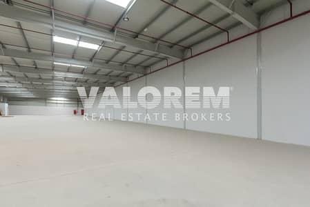 مستودع  للايجار في مدينة الإمارات الصناعية، الشارقة - Large Size Warehouse for Rent in Al Sajaa Ind. Area Sharjah