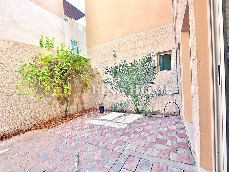 17 Amazing Villa 5BR.in Al Mushrif Gardens